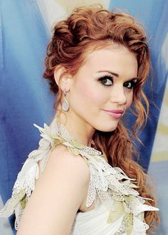 Holland Roden- love her hair and makeup!!