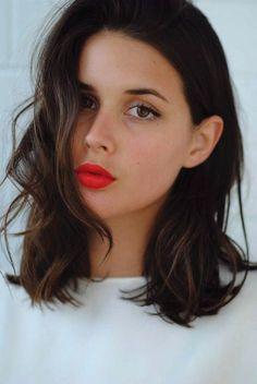 Brunette long bob hairstyles chocolate hair long bob hair pinte look Pretty Hairstyles, Bob Hairstyles, Bob Haircuts, Wedding Hairstyles, Medium Hairstyles, Hairstyle Ideas, Medium Haircuts, Brunette Hairstyles, Celebrity Hairstyles