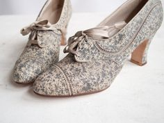 Vintage 30s Pumps / Speckled Gray Leather / 1930s Oxford Heels / Shoes 5.5 - 6. $115.00, via Etsy.