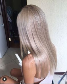 Silver Blonde Hair, Dyed Blonde Hair, Blonde Hair Looks, Platinum Blonde Hair, Black Hair, Blonde Hair For Cool Skin Tones, Blond Hair Colors, Toning Blonde Hair, Silver Platinum Hair