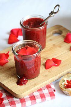 Confiture de pétales de roses & fraises