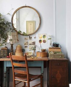This office desk nook is so appealing, with its vintage furniture and all the decor objects that make it so unique | Design*Sponge