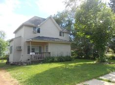 View 13 Photos Of This $59,900, 3 Bed, 1.0 Bath, 1300 Sqft Single