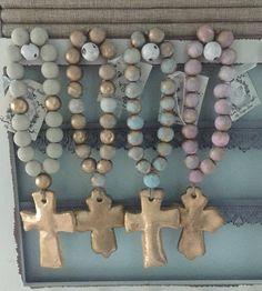 Beautiful Handmade Standard Blessing Beads with Cross - Porta di legno Wood Bead Garland, Beaded Garland, Distintivos Baby Shower, Bead Crafts, Diy Crafts, Rosary Beads, Prayer Beads, Wooden Beads, Craft Projects