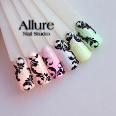 Such beautiful scrolls Swirl Nail Art, Gel Nail Art, Acrylic Nails, Monogram Nails, Indigo Nails, Latest Nail Art, Great Nails, Nail Studio, Beautiful Nail Designs