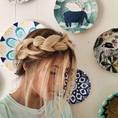 A lovely milkmaid braid! Cr: @jaimesenofonte_hair