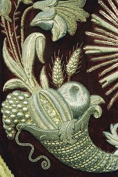 Irresistible Embroidery Patterns, Designs and Ideas. Awe Inspiring Irresistible Embroidery Patterns, Designs and Ideas. Jacobean Embroidery, Silk Ribbon Embroidery, Vintage Embroidery, Embroidery Applique, Embroidery Designs, Beadwork Designs, Art Du Fil, Textiles, Lesage