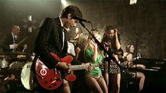 Checa el #Vevo #VideoMusical para Valerie por Mark Ronson