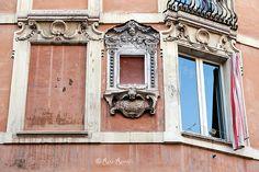 En güzel dekorasyon paylaşımları için Kadinika.com #kadinika #dekorasyon #decoration #woman #women Roma. Rione Monti. Edicola