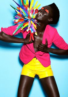 bright eyes for a beautiful Women. Stunning pink jacket and yellow shorts kick o. Fashion Art, Editorial Fashion, New Fashion, Trendy Fashion, Pink Fashion, Fashion Beauty, Fashion Spring, Fashion Shoot, Fashion Brands