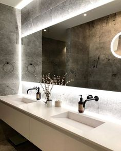 Let the VOLA 111 tap create drama and impact in your new design space Romantic Home Decor, Classic Home Decor, Cheap Wall Decor, Cheap Home Decor, Bathroom Interior Design, Interior Decorating, Interior Livingroom, Wall Mounted Taps, Minimalist Home Interior