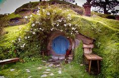 Cheap, Pre-Fab Hobbit Houses Are A Thing And They're Whimsical AFYou can find Hobbit houses and more on our website.Cheap, Pre-Fab Hobbit Houses Are A Thing And The. Earthship, Hobbit Hole, The Hobbit, Fairy Houses, Play Houses, Dream Houses, Cob Houses, Casa Dos Hobbits, Underground Homes