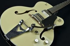 Gretsch G6118T-LIV Players Edition Anniversary with String-Thru Bigsby 2 Tone Lotus Ivory