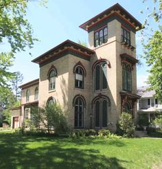 Early 1800 39 s octagon cottage for sale whitewater wi for Italianate homes for sale