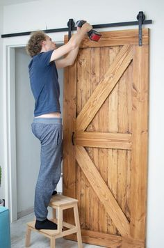 Barn Door Designs, Rustic Bathroom Designs, Wooden Door Design, Diy Pallet Furniture, Home Bedroom, Home And Living, Interior Decorating, New Homes, House Design
