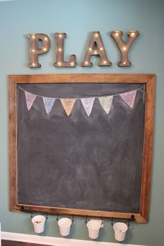 31 DIY Spielzimmer Dekor und Organisation DIY Playroom Ideas and Furniture - Playroom Chalkboard - Simple Game Room Storage, Furniture Ideas for Kids, Play Rugs and Activity Mats, Drawer, Toy Boxes an Cute Diy Room Decor, Playroom Decor, Diys Room Decor, Playroom Signs, Game Room Decor, Home Decor, Diy Kids Room, Diy For Kids, Kids Bedroom