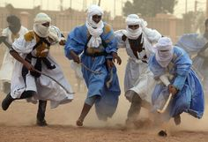 The Tuareg (Twareg or Touareg; endonym Imuhagh) are group of largely matrilineal semi-nomadic, pastoralist people of Berber extraction resid. Pictures Of The Week, Cool Pictures, Tuareg People, Nhl Winter Classic, Sword In The Stone, Out Of Africa, African Countries, Moorish, People Of The World