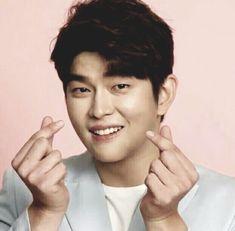 Kyun Sang, Netflix Horror, Korean Actors, Dramas, Singing, Happiness, Passion, Celebrities, Beauty