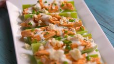 Buffalo Chicken Celery Boats  - Delish.com Appetizers For Party, Yummy Appetizers, Appetizer Dips, Low Carb Appetizers, Appetizer Recipes, Snack Recipes, Keto Snacks, Low Carb Recipes, Healthy Snacks