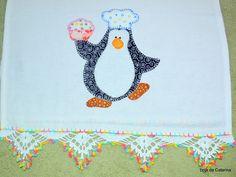 Pano de Prato com Patch Apliquê Pinguim e barrado em crochê. #patch #artesanato #elo7 #handmade #pinguim #cozinha #decoracao