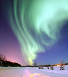Spend your Fall honeymoon in Alaska. September is the month with pristine & favorable views of the aurora borealis!