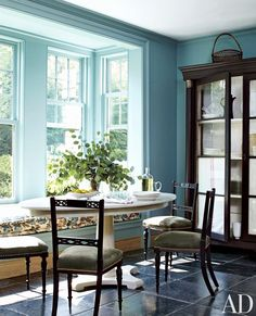 Love this window seat for the kitchen. A custom-made table designed by Redd defines the breakfast area, which is painted in Farrow & Ball's Ballroom Blue; the chairs are antique, and the window seat's cushion fabric is by Bennison. Architectural Digest, Home Interior, Interior Design, Kitchen Interior, Design Kitchen, Blue Paint Colors, Wall Colors, Aqua Paint, Pastel Colours