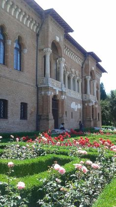 Visitors who come to Romania for #dental treatments can visit the Mogosoaia palace during a one-day #trip outside Bucharest. Read here more about this beautiful palace: http://www.romaniandentaltourism.com/visit-mogosoaia-palace