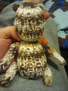 Bean Baby Bear made with Knifty Knitter. I'd stuff with old socks for a dog toy. Knifty Knitter, Loom Knitting Patterns, Learn How To Knit, Yarn Crafts, Dog Toys, Pickles, Fiber Art, Crochet Projects, Knits