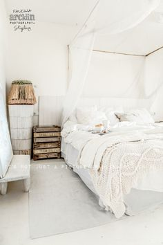 ☆   Beach vibe home in Mallorca by Paulina Arcklin Photography   Styling