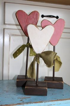 valentine heart flowers set of 3 primitive wood block valentine heart seasonal personalized home gift decor - Primitive Valentine Decor