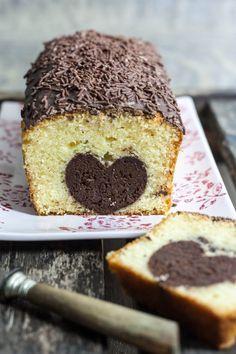 Je crois que c'est un gâteau que j'ai voulu tenter bien avant de me lancer sur mon blog! Je trouvais l'idée juste géniale, et un soir j'ai été prise d'une grande motivation, alors je me suis décidé...
