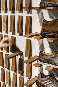 Gallery of Skechers TR Casual Showroom / Zemberek Design - 5 (Diy Storage Shelves) Pallet Furniture, Furniture Design, System Furniture, Mirrored Furniture, Smart Furniture, Furniture Shopping, Furniture Storage, Furniture Plans, Diy Shoe Rack