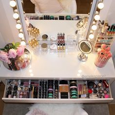 I just clean and organize my makeup drawer #malm #dressingtable ,lights called Musik and mirror Kolja, all from #ikea #makeupstorage #makeup #makeuproom #vanity #vanitytable #vanitymirror #makeupjunkie #beauty #makeuporganizer #smink #girlcave #sminkbord #Hudabeauty #vegas_nay