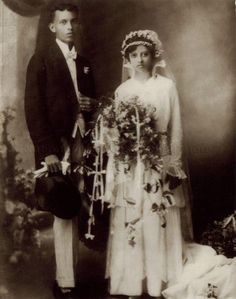 Wedding photo of Albert Victor de Souza (Sonny) and Susan Marie Pereira. They were married in the Church of St Francis Xavier in Malacca before moving to Singapore. Albert was born in Singapore on 6 July 1893.  1915