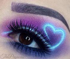 Eye Makeup Blue, Edgy Makeup, Makeup Eye Looks, Colorful Eye Makeup, Eye Makeup Art, Crazy Makeup, Eyeshadow Makeup, Eye Art, Pink Eyeshadow