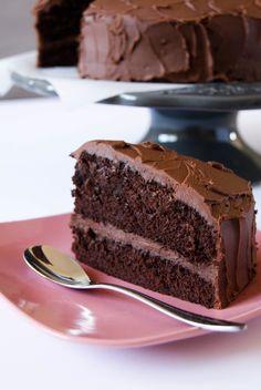 En français, on peut traduire ce superbe dessert par « Gâteau du Diable »…. Un nom à frissonner, vous ne trouvez pas?! Effectivement il est « diablemen…