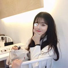 ulzzang girl girls woman women aesthetic korean japanese chinese beauty pretty beautiful lifestyle ethereal beauty girls east asian minimalistic grunge soft pastel light cute adorable 얼짱 여자 r o s i e Pony Makeup, Korean Photo, Ulzzang Korean Girl, Ethereal Beauty, Beautiful Asian Girls, Selfies, Korean Fashion, Hairstyle, Every Girl