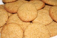 Gemmer Koekies South African Dishes, South African Recipes, Baking Recipes, Cookie Recipes, Snack Recipes, Ginger Cookies, Easy Snacks, Creative Food, Family Meals