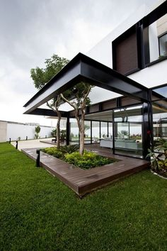 Modern Luxurious Flat Roof House Designs you Should Know - Possible Decor