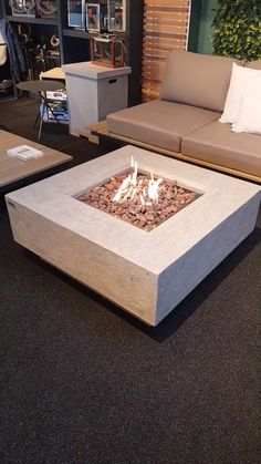 The Manhattan is a gas powered fire pit that features a unique, angular construction. Designed to complement modern architecture with its cosmopolitan style. This fire pit burns bright with glowing coals and provides ample amounts of heat when in use.