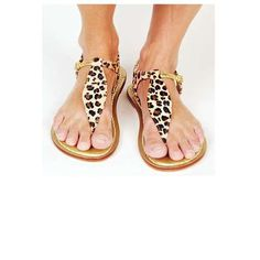DIY Gold Leopard Sandles - Made with leopard print Duck Tape. The possibilities are endless!