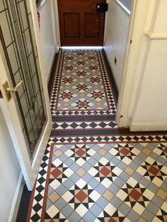 Bathroom Decorating – Home Decorating Ideas Kitchen and room Designs Victorian Hallway Tiles, Tiled Hallway, Conservatory Flooring, Mosaic Bathroom, Bathroom Wallpaper, Downstairs Bathroom, Hall Flooring, Entryway Flooring, Craftsman Tile