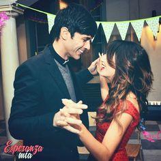 Bailando... #EsperanzaMia #Seré<3<3<3Tomanza