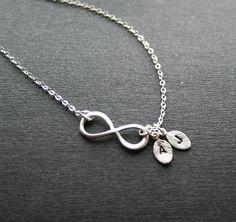 Unendlichkeit Symbol Halskette. Initialen von smilesophie auf Etsy