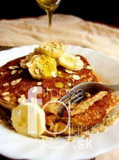 Celozrnné lievance z quinoi Quinoa, Pancakes, French Toast, Breakfast, Ethnic Recipes, Food, Morning Coffee, Essen, Pancake