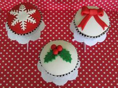 CrumbsOfComfort xmas cupcakes