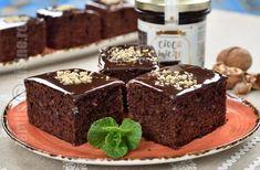 Negresa cu Cioco Miere - reteta video | JamilaCuisine No Cook Desserts, Dessert Recipes, Xmas Cookies, Bakery, Cheesecake, Food And Drink, Favorite Recipes, Sweets, Cooking