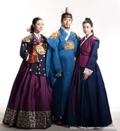 K-Drama, Dong Yi♡♡♡Dong Yi (Hangul: 동이; hanja: 同伊) is a Korean Fashion Trends, Korean Street Fashion, Korean Traditional, Traditional Dresses, Orientation Outfit, Yi King, Korean Princess, Korea Dress, Dong Yi