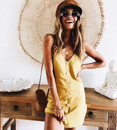 loving these beachy linen materials and vintage sunnies