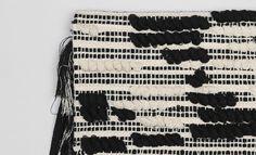 Sac pochette tissé à franges noir My Wardrobe, Clutch Bag, Fringe Coats, Black People
